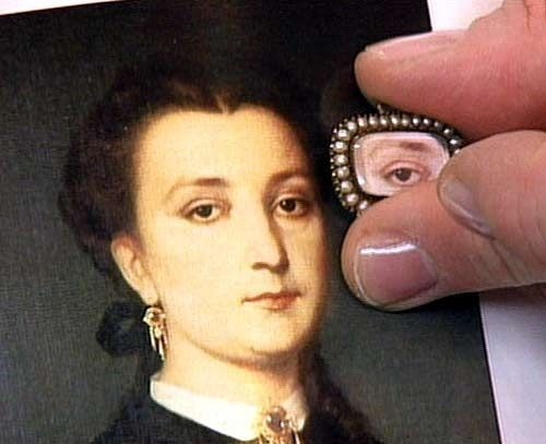 the-most-famous-example-of-a-georgian-lovers-eye-jewel-was-how-king-george-iii-proposed-to-maria-fitzherbert